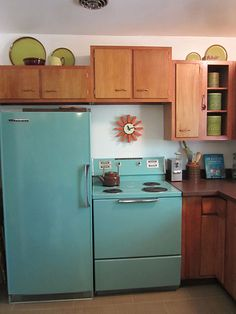 Vintage Blue 1961-Hotpoint-Fridge & Stove aqua turquoise