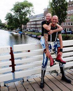 Skinhead Men, Skinhead Boots, Gay, Bike, Sports, Leather, Bald Men, Bicycle, Hs Sports