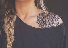 55 Best Shoulder Tattoos Designs and Ideas | Tattoos Me