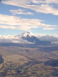 El Cotopaxi desde el aire / The Cotopaxi, Ecuador from a bird's eye view. BDG's photo