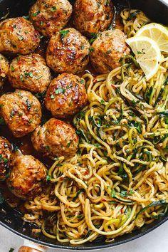 Garlic butter meatballs with lemon zucchini noodles .- Knoblauchbutter-Fleischbällchen mit Zitronen-Zucchini-Nudeln – Diese … – – Jule H. Garlic Butter Meatballs with Lemon Zucchini Noodles – These … – – # Garlic butter meatballs - Healthy Dinner Recipes, Diet Recipes, Lunch Recipes, Zoodle Recipes, Quick Easy Healthy Dinner, Summer Recipes, Meal Prep Recipes, Cooker Recipes, Simple Healthy Meals