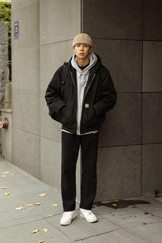 korean winter outfits street style - koreanische winter outfits street style korean winter outfits street style - for work winter outfits; Men's Casual Outfits Winter, Korean Winter Outfits, Winter Mode Outfits, Korean Fashion Winter, Korean Fashion Men, Korean Street Fashion, Winter Fashion Outfits, Men Casual, Mens Fashion