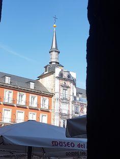 Monumentos y edificios históricos de Madrid Madrid, Mansions, House Styles, Temple, Monuments, Manor Houses, Villas, Mansion