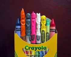 California native artist Hoang Tran (Wax Nostalgic) creates tiny sculptures, hand-carving pop-culture icons into them. Cultura Pop, Adventure Time Cast, Adveture Time, Crayola, Wax Crayons, Melted Crayons, Crayon Art, Crayon Crafts, Thing 1