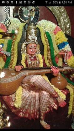 Sarswathi Saraswati Statue, Saraswati Goddess, Shiva Parvati Images, Lakshmi Images, Saraswathi Pooja, Hindu Deities, Hinduism, Hindu Worship, Lord Rama Images