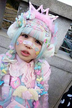 Pin by Aberto on kawaii Harajuku Girls, Harajuku Mode, Harajuku Fashion, Harajuku Makeup, Estilo Goth Pastel, Pastel Goth Fashion, Kawaii Fashion, Pastel Punk, Pastel Goth Makeup