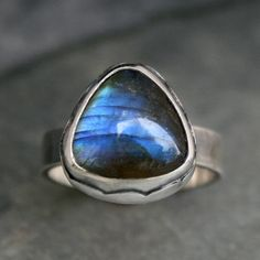 Labradorite Gemstone Ring, Triangle Labradorite Cabochon set in a Scalloped Bezel, Blue Flash, Ocean Border
