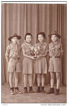 RP: Boy Scouts & Girl Scouts Portrait with trophy , Manilla , Philippines , 00-10s - Delcampe.com