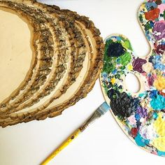 What are you creating this weekend? Comment below and tag us in your DIY adventures! #walnuthollow #diy #woodslice #weekend #handmade #diyblog #paint