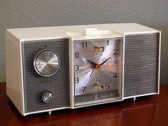Zenith L514W Clock Radio, 1964
