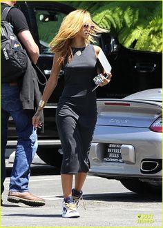 Pinterest: @ndeyepins - Rihanna wearing Air Jordan 1 Phat « Olympic »