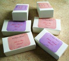 Jabones Artesanales con propiedades aromaterapeuticas, preparados con aceite de oliva especial para pieles delicadas y con aromatizadas con aceites esenciales puros . Relajan