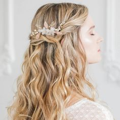 Gold and blush floral wedding hair comb, Flower & leaf wedding hair comb, Gold blush pink wedding hair comb, Blush pink bridal hair comb Floral Wedding Hair, Hair Comb Wedding, Bridal Hair, Wedding Veils, Wedding Bride, Bridesmaid Hair Half Up Braid, Braided Hairstyles, Wedding Hairstyles, Different Hairstyles