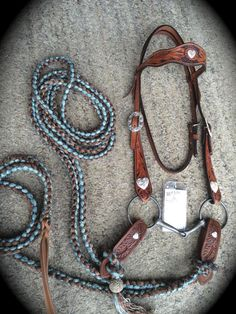 Buckaroo Leather - A Vintage 3 Scallop browband Bridle Set Equestrian Boots, Equestrian Outfits, Equestrian Style, Equestrian Fashion, Horse Gear, Horse Tack, Riding Hats, Horse Riding, Riding Gear
