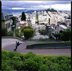 Lombard Street in San Francisco - Last Stop in the California Road Trip San Francisco City, San Francisco California, California Dreamin', California Vacation, Northern California, Places To Travel, Places To See, Lombard Street, Most Beautiful Cities
