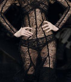 BLACK CLOTHES - Sonia Rykiel Fall 2006