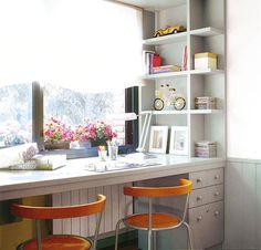 Мебель и предметы интерьера в цветах: серый, светло-серый, коричневый, бежевый. Мебель и предметы интерьера в стиле американский стиль.