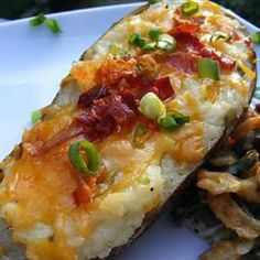 Ultimate Twice-Baked Potatoes - Take baked potatoes to the ultimate level of creamy, cheesy, buttery goodness. Then top with REAL bacon. Side Recipes, Great Recipes, Favorite Recipes, Twice Baked Potatoes, Cheesy Potatoes, Mashed Potatoes, Baked Potato Recipes, Good Food, Yummy Food