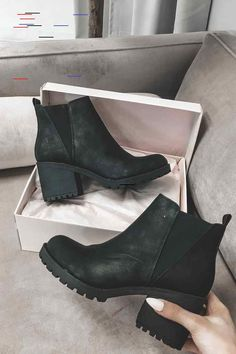 Lisbon Platform Leather Bootie – Amazing Lace Black platform booties with chunky block heel and stylish rounded toe. Complete with elastic side panels and a pull loop at the back. True to size. Black Booties Outfit, Tan Booties, Leather Booties, Platform Boots Outfit, Black Platform Boots, Ankle Boots, Ankle Strap Sandals, Puma Sneaker, Baby Boots