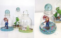 You need small toys, a small soda bottle, 50 cl, a lid, a glass marble and glue. If you like to decorate the lid, as we have done, you also need paper and ribbons.