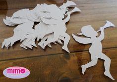 Kit com 10 anjinhos feito em papel 150g, cores podem ser alteradas, fazemos em vários tamanhos.    Para um melhor resultado no momento da aplicação, não colar com cola líquida e sim com fita banana ou fita dupla face, pois o aplique é de papel e com a cola pode manchar ou enrugar o aplique.    Ta...