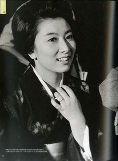 Fujiko Yamamoto 山本富士子 Japanese actress