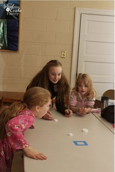Tabletop curling: tie games to where they occur geographically before or during the time students are playing Olympic Games For Kids, Olympic Idea, Winter Olympic Games, Winter Games, Brazil Olympics, Kids Olympics, Summer Olympics, Theme Sport, Olympic Crafts