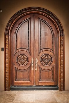 Wooden Front Door Design, Main Entrance Door Design, Double Door Design, Door Gate Design, Wooden Front Doors, House Main Door Design, Arched Doors, The Doors, Cool Doors