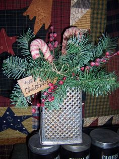 old grater-- for Gma Vintage Christmas Crafts, Christmas Tabletop, Country Christmas Decorations, Christmas Greenery, Christmas Arrangements, Christmas Centerpieces, Xmas Decorations, Christmas Projects, Handmade Christmas