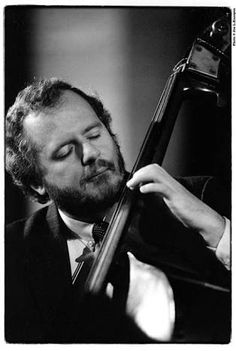 Niels-Henning Orsted-Pederson - one of the top bassist in the history of jazz Jazz Artists, Blues Artists, Jazz Musicians, Music Artists, Jazz Blues, Blues Music, South American Music, Francis Wolff, Jazz Cat