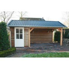 Tuinhuis Limburg staat hier afgebeeld met een mooi zadeldak, waar verschillende kleuren daksingels op te verkrijgen zijn. U kunt bijvoorbeeeld kiezen uit de kleuren rood, zwart of groen. Het is maar net waar uw voorkeur naar uit gaat, en wat u vindt wat uw tuin past.Door de zij overkapping haalt u het meeste uit uw tuinhuis. Zo heeft u er meteen een heerlijke zitplek bij, waar u bij de regenachtige dagen net zo heerlijk kunt vertoeven als in uw huis. Standaard wordt het geleverd met een…