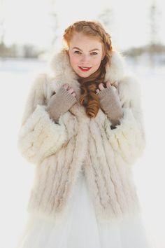 fur jacket for stylish winter brides // OneWed