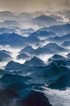 Picos de Europa by Julio Lopez Saguar via 500px. ---- Mar de nubes.