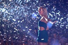 veronica maggio idun 17 november 2014 - Sök på Google One And Only, Veronica, Cheer, One Piece, Concerts, Swimwear, People, Folk, November