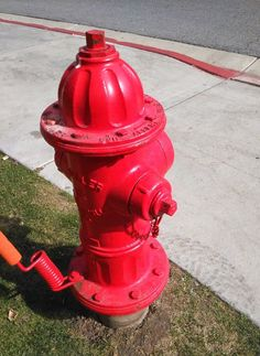 """One of the most synonymous things people from out of #America relate to """"Being American"""". Ask people from the#UK and they will most likely say they think of kids in #newyorkcity back in the day, unless of course they watch #Chicagofire 👨🏻🚒🔥 this one was taken in #saltlakecity #utah  #firehydrant #red #visitamerica #typicallyamerican #sidewalk #firefighter #brave #kellyseveride #mattcasey #optoutside #goexplore"""