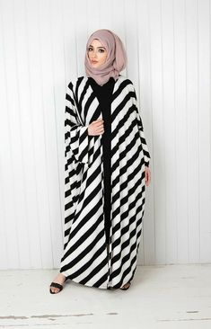 Today here we offer kimono abaya with detail look. Open style long sleeve flare abaya can wear with Modern Hijab Fashion, Pakistani Fashion Casual, Modesty Fashion, Hijab Fashion Inspiration, Abaya Fashion, Fashion Outfits, Model Baju Hijab, Mode Kimono, Moslem Fashion