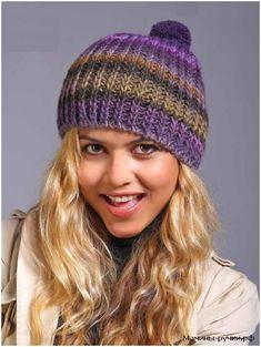 Вязаная спицами шапка из фиолетовой меланжевой пряжи. Схемы и описание (knitting hat melang with pompom)
