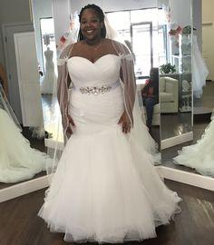 Unique plus size wedding dresses for the curvy bride Plus Size Bridal Dresses, Plus Size Wedding Gowns, White Wedding Dresses, Cheap Wedding Dress, Casual Wedding, Elegant Wedding, Wedding Bride, Formal Dresses, Off Shoulder Wedding Dress