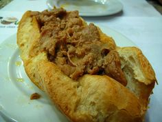 «Bifanas» (escalopes de porc) à la mode du Porto
