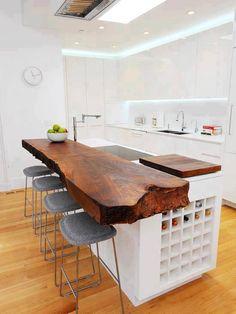 Da tronco a tavolo per la cucina. Idea molto originale e creativa