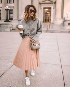 Pleated skirt outfit white sneakers grey sweater via Outfits Nachstylen, Weekly Outfits, Fall Outfits, Summer Outfits, Casual Outfits, Grunge Outfits, Summer Clothes, Pleated Skirt Outfit Casual, Midi Skirt Outfit