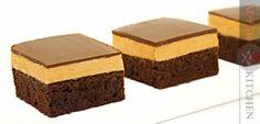 Prajitura cu mascarpone si unt de arahide  www.adygio.com Caramel, Nutella, Favorite Recipes, Kitchen, Desserts, Rio, Youtube, Paraty, Gastronomia