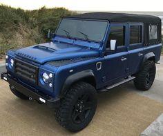Defender Td5, Land Rover Defender 110, Benz Suv, 6x6 Truck, Land Rover Models, Expedition Vehicle, Ford Gt, Cool Trucks, Land Cruiser