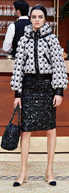 READY-TO-WEAR FALL/WINTER 2015-2016 Chanel