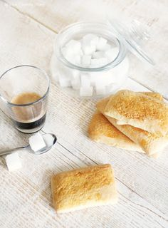 Biscotti della Nonna Cookie Crumbs, Cake Cookies, Baked Goods, Cookie Recipes, Muffins, Bread, Baking, Breakfast, Ethnic Recipes