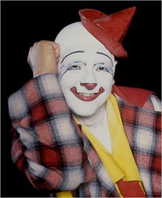 "Glen ""Frosty"" Little, 1925 - 2010. 1969 Little was in the 1st graduating class of the new RBB&B Clown College and landed a job with Ringling's newly split-off second touring unit. 1970 Promoted to ""Boss Clown"" of his unit. 1980 The circus' ""Executive Clown Director"". 1983 Named ""Master Clown"" by the Ringling organization. Only the 4th clown ever to be so named, he was the last surviving ""Master Clown"" at the time of his death. 1991 Retired & inducted into the Clown Hall of Fame."