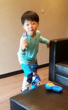Manse I Miss You Guys, Song Triplets, Cute Songs, Baby Pictures, Superman, Super Cute, Pop, Kids, Sweet