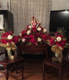 Christmas grave saddle for my sister Kelli Jo. Cemetery Flowers, Silk Flower Arrangements, Saddles, Silk Flowers, Christmas Tree, Decorations, Mom, Holiday Decor, Winter