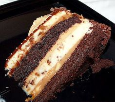 Reeses Peanut Butter Chocolate Cake Cheesecake Recipe- this combines two of Ben's favorite things! And it's cheesecake which means I can make it and I won't eat it! Chocolate Peanut Butter Cheesecake, Reeses Peanut Butter, Chocolate Cake, Food Cakes, Cupcake Cakes, Cupcakes, Think Food, Love Food, Pavlova