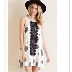 SALE💥Boho Print Dress Gorgeous Boho Print Dress. 100% Raylon. Black Lace Details, Off White Dress. Hi Low Hem. Paired with dress extender in second and fourth photos. Can easily be worn as tunic paired with Leggings! Dresses Midi